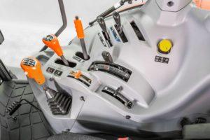 M5001 – studio- Cab – Control- right