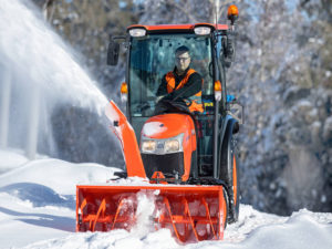 st341_winter_street_snowblower_front31
