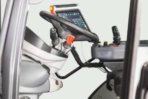 M7003_Studio_Steering-Wheel2