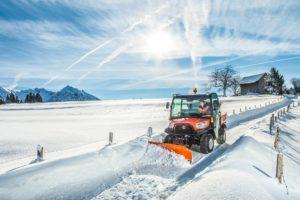 RTV X1110_Winter_Street_Snowblade_Front21