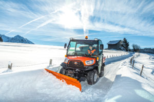 RTV X1110_Winter_Street_Snowblade_Front11